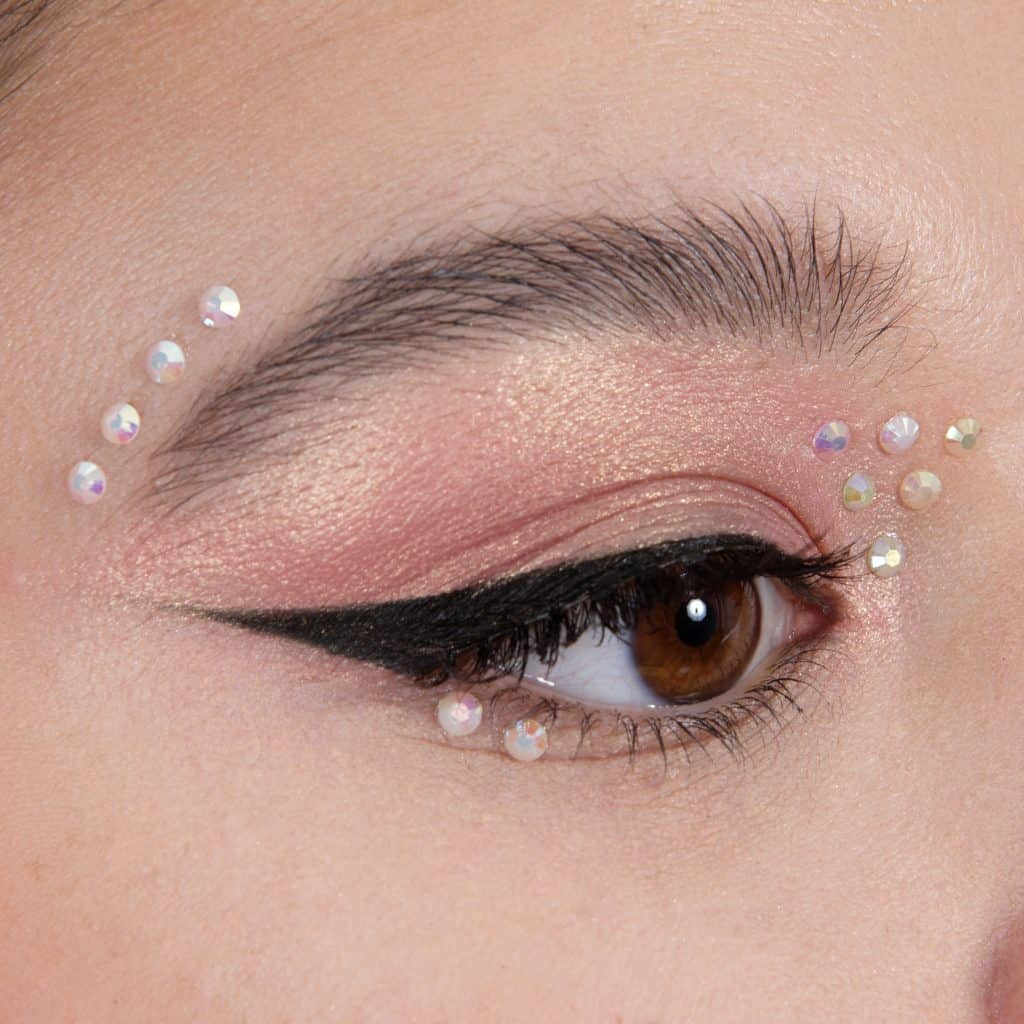 Liner and gems, Maquillage yeux, Eye makeup, Smoky eye, Eye liner, Maquilleuse professionnelle, Maquilleuse diplômée, France, IdF, Paris, Sucy, Sucy-en-Brie